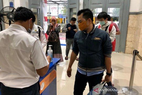 KAI Jember wajibkan penumpang gunakan masker