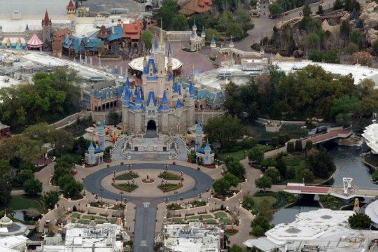 Seorang penyusup berkemah di Disney World AS