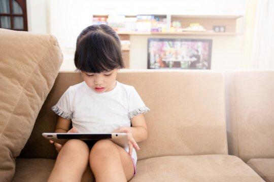Psikolog: Batasi penggunaan gawai anak dengan beraktivitas bersama