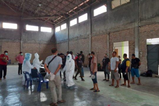 Pulang dari Malaysia, 20 TKI ilegal diamankan Gugus COVID-19 Sumut