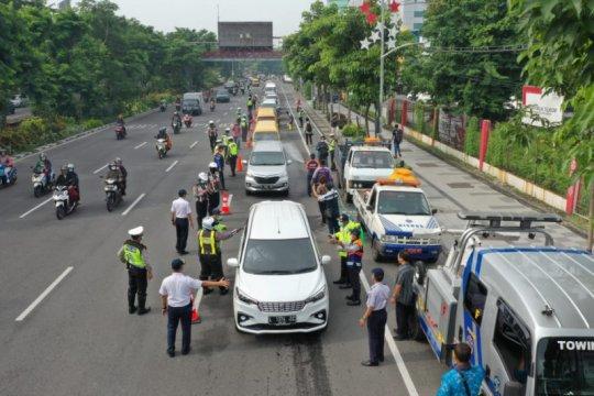 Pemkot tarik petugas pemantau di 19 titik akses pintu masuk Surabaya