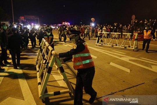 Transaksi penjualan makanan dan jasa transportasi di Wuhan naik tajam