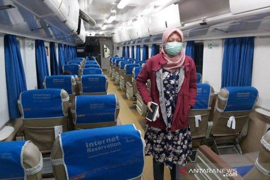 Besok berlaku PSBB, KAI sesuaikan jadwal KA dari dan menuju Jakarta