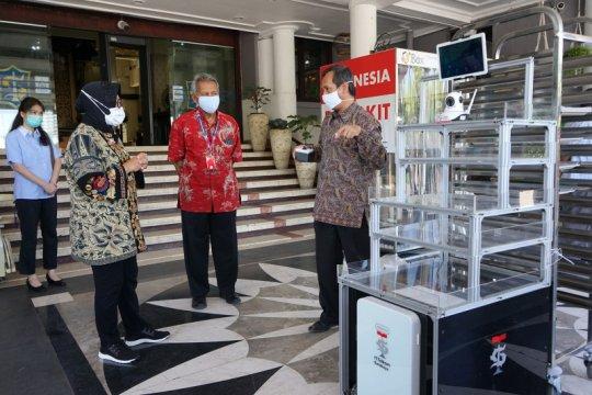 Wali Kota Surabaya terima bantuan robot untuk tangani pasien COVID-19