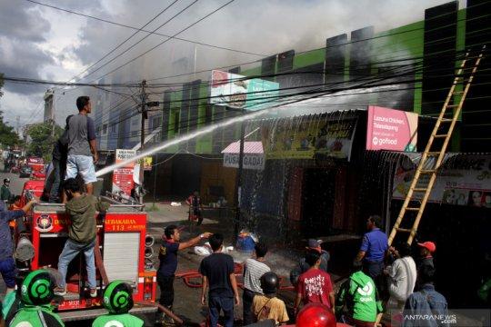 Kebakaran ruko di Makassar