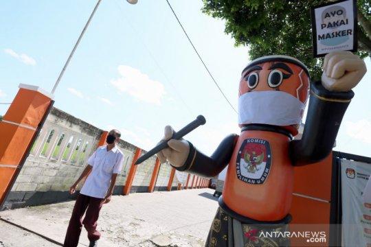 Kampanye memakai masker KPU Kota Blitar