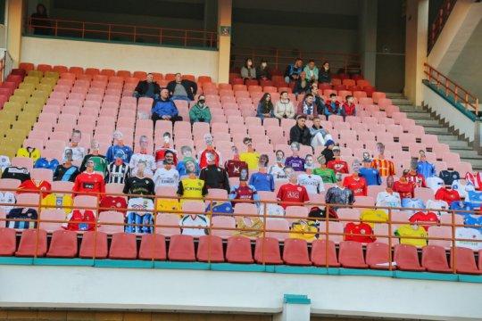Siasati jaga jarak, klub Belarusia taruh manekin isi tribun stadion