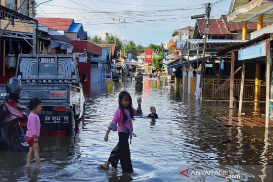 Muara Teweh kembali dilanda banjir akibat meluapnya Sungai Barito