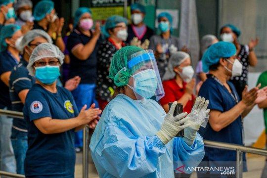 """Cegah penularan corona, dokter di Filipina bangun """"tenda karantina"""""""