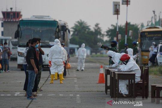 Gelombang keempat TKI dari Malaysia tiba di Sumut