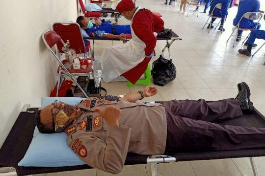 Polda Kalbar gelar donor darah dampak COVID-19