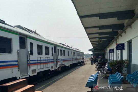 KAI perpanjang tidak beroperasinya KA lokal Karawang-Jakarta