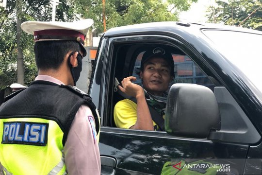 200 kendaraan diminta putar balik saat menuju Jakarta Barat