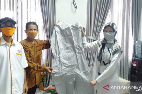 Lazismu Kabupaten Belitung serahkan bantuan APD ke rumah sakit