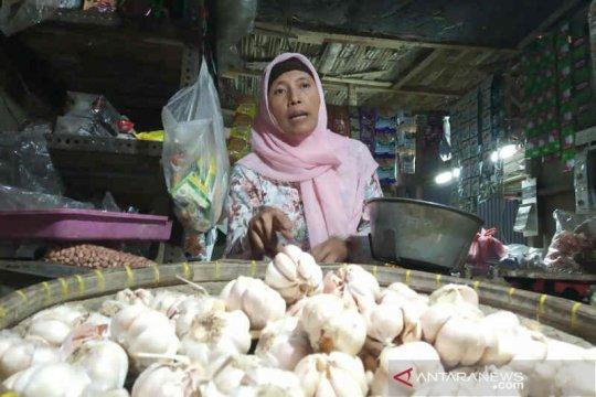 Harga bawang putih impor di Indramayu mulai turun