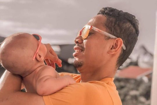 Libur liga, pemain belakang Barito Putera itu nikmati peran jadi ayah