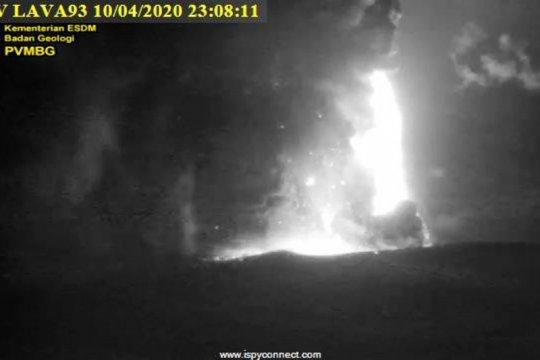 PVMBG sebut suara dentuman bukan karena erupsi Anak Krakatau
