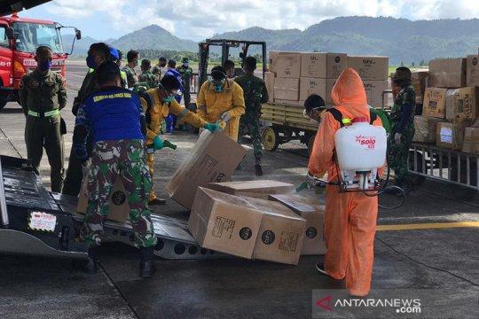 Pesawat TNI AU bawa APD tiba di Manado