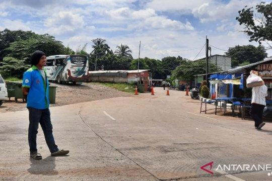 Pekerja Terminal Lebak Bulus harapkan perhatian selama PSBB