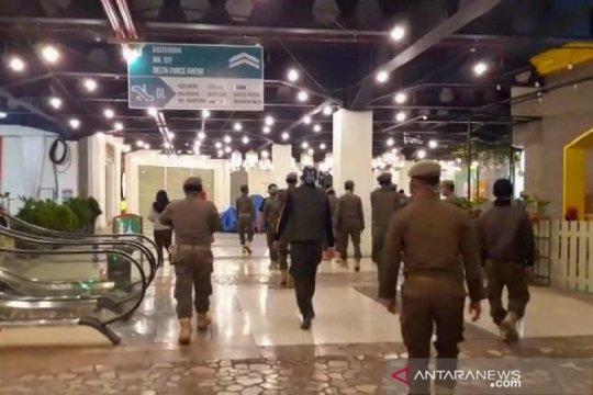 Satpol PP Kota Bandung tutup kembali PVJ setelah sempat buka