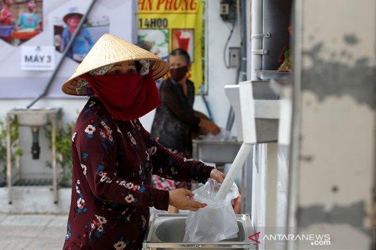 """""""ATM beras"""" bantu warga miskin Vietnam saat  karantina karena COVID-19"""