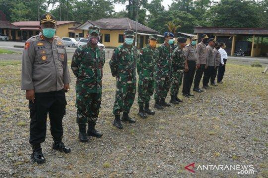 TNI-Polri di Mimika nyatakan komitmen rawat kebersamaan