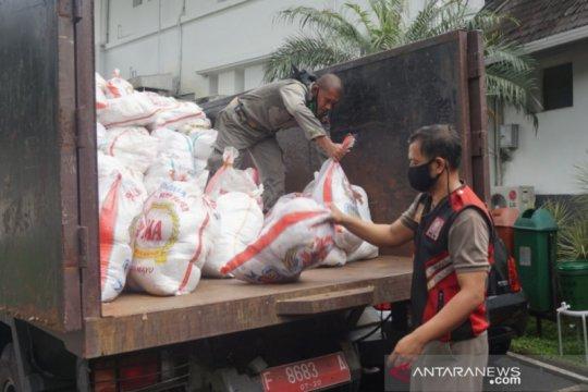 Gugus Tugas COVID-19 Kota Bogor terima bantuan paket sembako