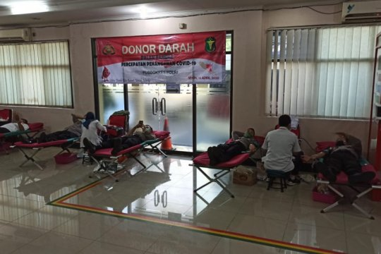 Mabes Polri gelar donor darah bantu pasokan darah PMI Jakarta