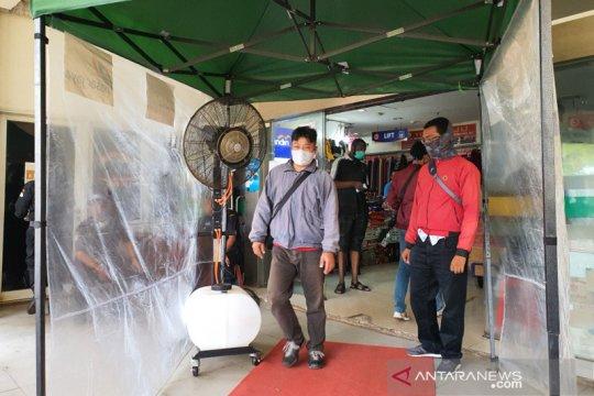 Bilik disinfektan di Pasar Senen tak lagi beroperasi