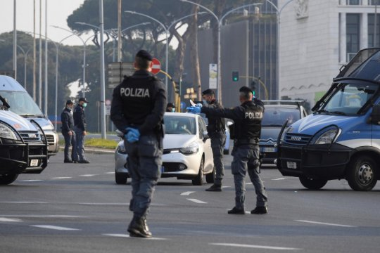 Perusahaan Italia mulai jual alat periksa COVID-19 buatan China
