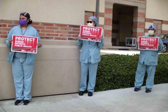 Sebagian besar petugas kesehatan AS terinfeksi corona di tempat kerja