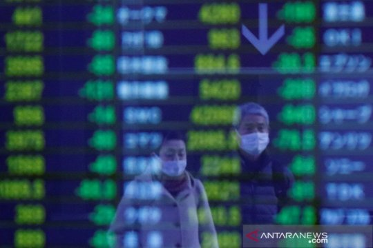 Saham Tokyo bervariasi, didukung Wall Street dan ditekan penguatan yen