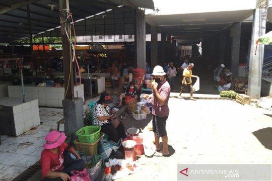 Minahasa Tenggara larang penjualan pakaian bekas impor