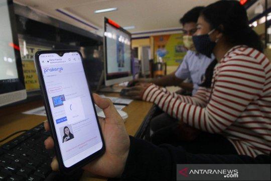 Tiga hari diluncurkan, Empat juta orang daftar Kartu Prakerja