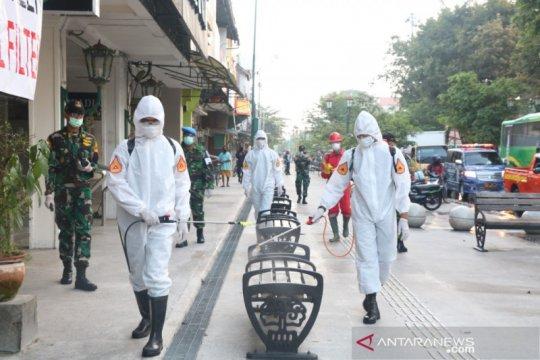 Taruna AAU lakukan penyemprotan Disinfektan di kawasan Malioboro