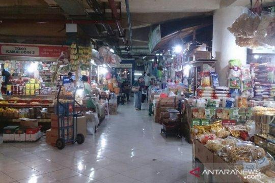 Camat pastikan Pasar Tebet Barat tetap buka