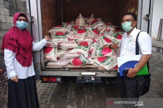 Antisipasi dampak Covid-19, Pelindo I salurkan bantuan beras