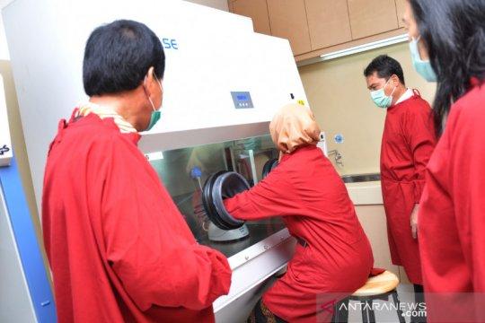 Bantuan alat PCR untuk RS USU Medan