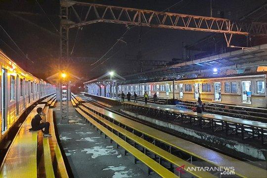 Belum ada pengumuman penyetopan KRL Jabodetabek di Stasiun Manggarai