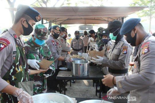 Satbrimob Polda Banten dirikan dapur umum di kawasan industri Cikande
