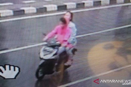 Polisi bekuk sepasang kekasih DPO kasus penjambretan di Tamansari