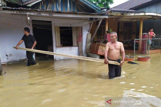 Banjir akibat curah hujan tinggi rendam dua desa di Simeulue Aceh