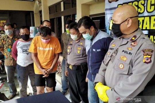 Selang 18 jam, polisi lumpuhkan residivis dengan timah panas