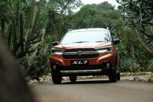 "Suzuki XL7 ""Car of the Year"" Otomotif Award 2020"