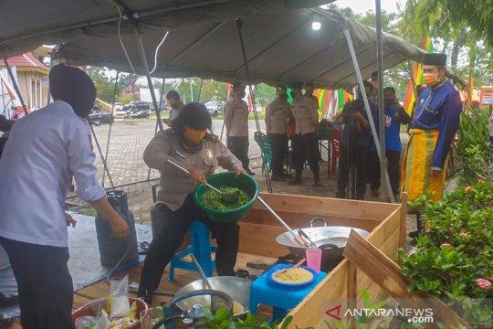 Dapur umum Riau distribusikan 1.100 kotak makanan saat PSBB