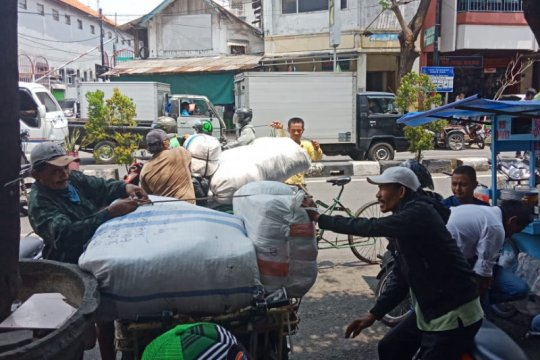 Pasar Grosir Surabaya buka kembali besok, setelah 14 hari tutup