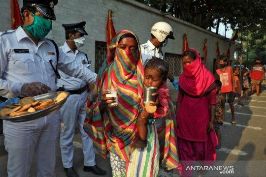 Pabrik, pertanian di India kembali beroperasi walau kasus corona naik