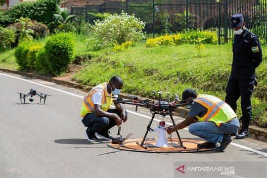 """Rwanda pakai """"drone"""" tangkap pelanggar aturan karantina COVID-19"""