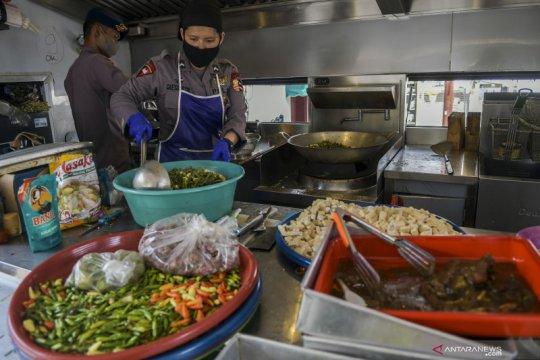 Dapur umum untuk warga terdampak COVID-19