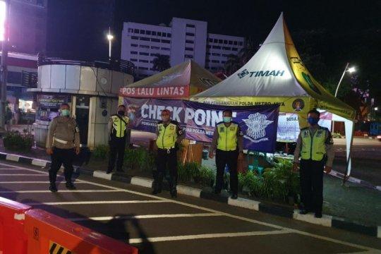 Polri-TNI patroli cegah kerumunan di Jakarta